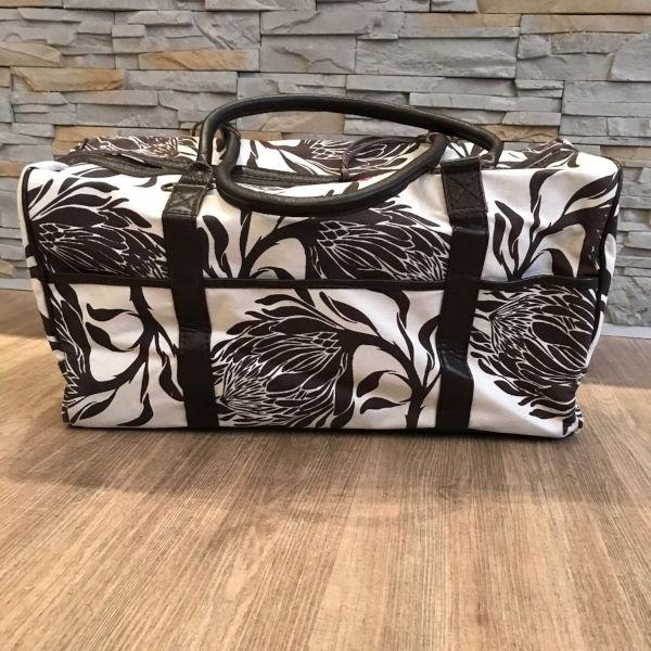 Mongoose Weekender Bag Protea Mud